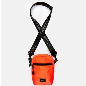 [ 10.Deep ] bag DIVISION SATCHELNEON ORANGE